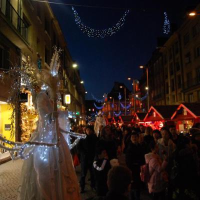 Marché de Noël d'Amiens - échassiers
